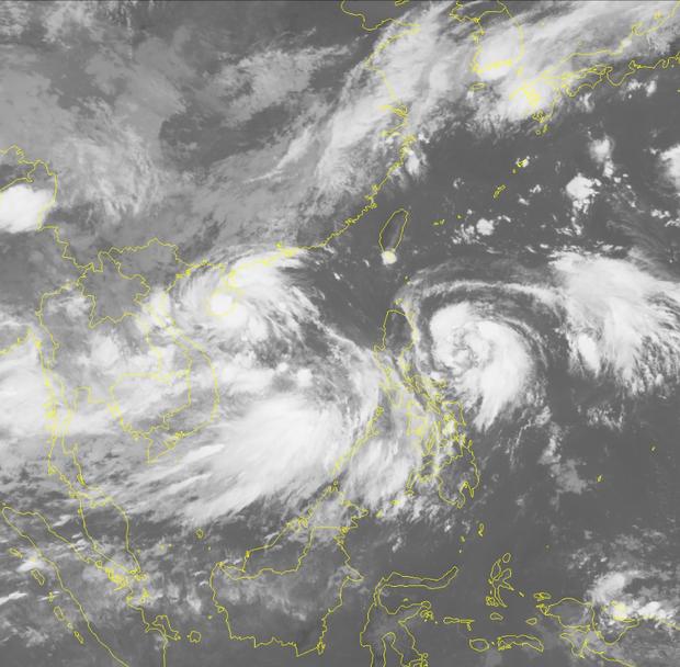 Dị thường: 2 áp thấp nhiệt đới cùng lúc xuất hiện trên Biển Đông, 1 trong 2 khả năng mạnh lên thành bão - Ảnh 2.