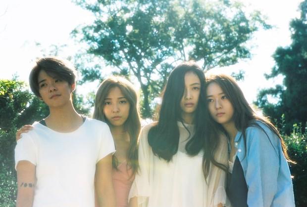 Người cô độc nhất SM chính là Krystal: chị gái Jessica, thành viên f(x) đều rời công ty; phải chứng kiến người anh Jonghyun và bạn thân Sulli ra đi mãi mãi - Ảnh 6.