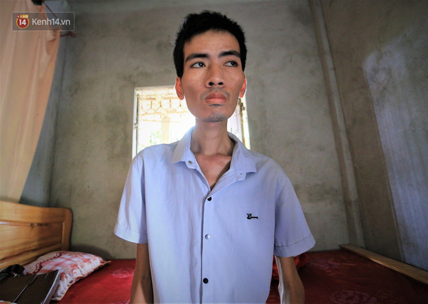 Xót xa chàng trai gầy trơ xương vì mắc bệnh hiểm nghèo chỉ 2 tháng sau đám cưới: Em phải sống, để hiến thận cứu con mình - Ảnh 3.