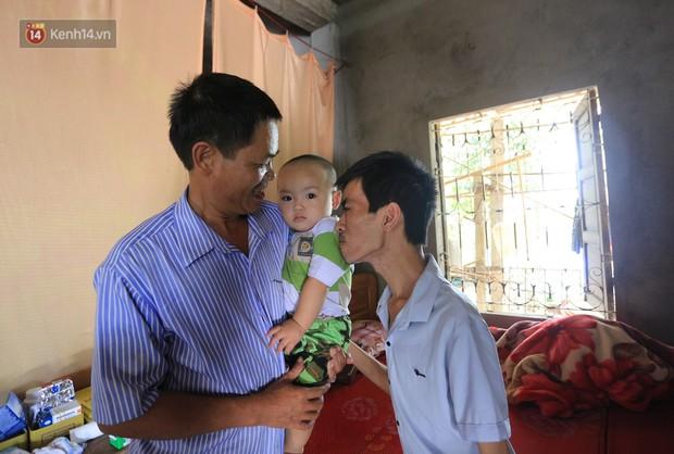 Xót xa chàng trai gầy trơ xương vì mắc bệnh hiểm nghèo chỉ 2 tháng sau đám cưới: Em phải sống, để hiến thận cứu con mình - Ảnh 8.