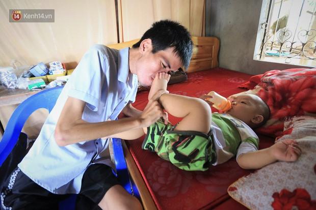 Xót xa chàng trai gầy trơ xương vì mắc bệnh hiểm nghèo chỉ 2 tháng sau đám cưới: Em phải sống, để hiến thận cứu con mình - Ảnh 10.