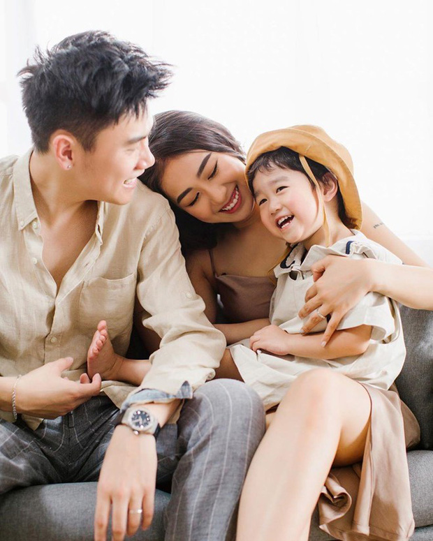 Ba gia đình hot nhất MXH thi nhau tậu nhà riêng, nhưng bố mẹ Xoài lại được khen ngợi hơn cả - Ảnh 9.