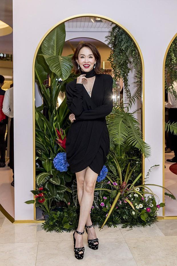 Không thể ngờ đây là Tiểu Long Nữ Phạm Văn Phương: U50 nhưng sành điệu, hack tuổi khó tin - Ảnh 8.