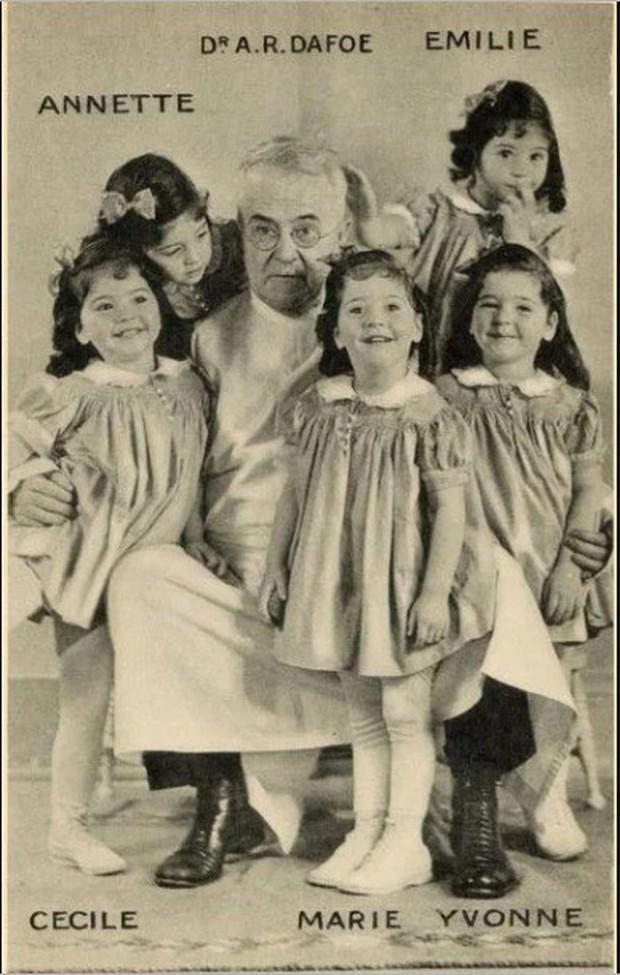 Đời bi kịch của 5 chị em sinh 5 đầu tiên trên thế giới: Bị cha mẹ ruột lợi dụng để kiếm chác, chịu thương tổn thể chất lẫn tinh thần - Ảnh 2.
