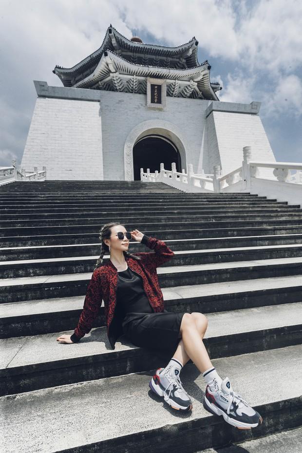 Cặp đôi người Việt cùng nhau du lịch khắp thế giới, tới đâu cũng cho ra cả tá ảnh và video đẹp không thua gì phim điện ảnh - Ảnh 3.