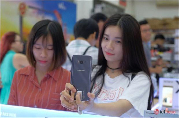 Apple so kè từng tí một với Samsung ở phân khúc cao cấp Việt Nam, các hãng khác không có cửa - Ảnh 3.