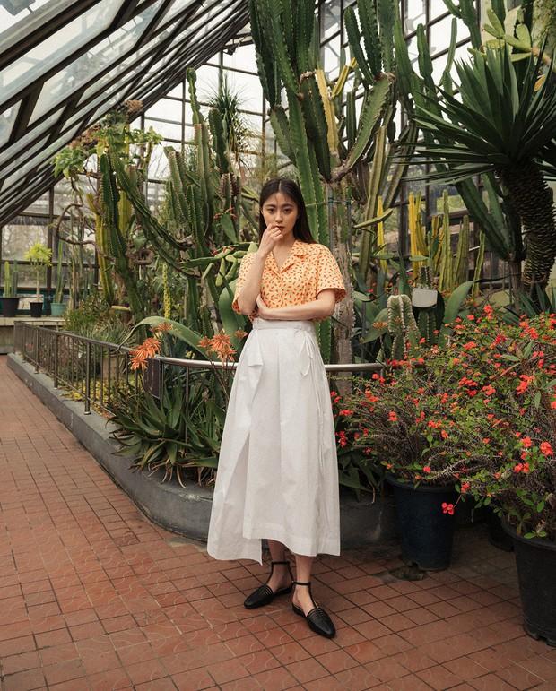 Quá xinh nên chẳng thể làm ngơ: 12 ý tưởng diện áo sơ mi/blouse + chân váy giúp nàng công sở tỏa sáng hơn cả nắng thu - Ảnh 1.