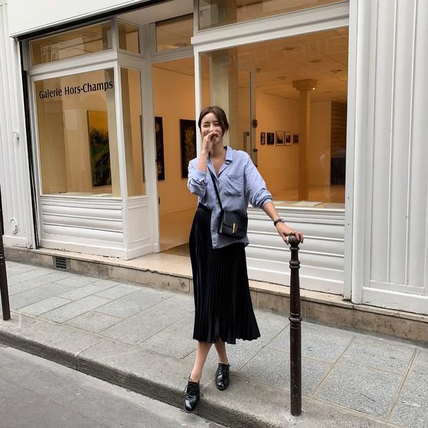 Quá xinh nên chẳng thể làm ngơ: 12 ý tưởng diện áo sơ mi/blouse + chân váy giúp nàng công sở tỏa sáng hơn cả nắng thu - Ảnh 12.