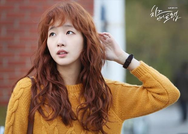 """5 tấm gương vượt khó chuẩn con nhà người ta trên màn ảnh Hàn: Kim So Hyun chạy """"sô"""" làm thêm vẫn học siêu đỉnh - Ảnh 5."""