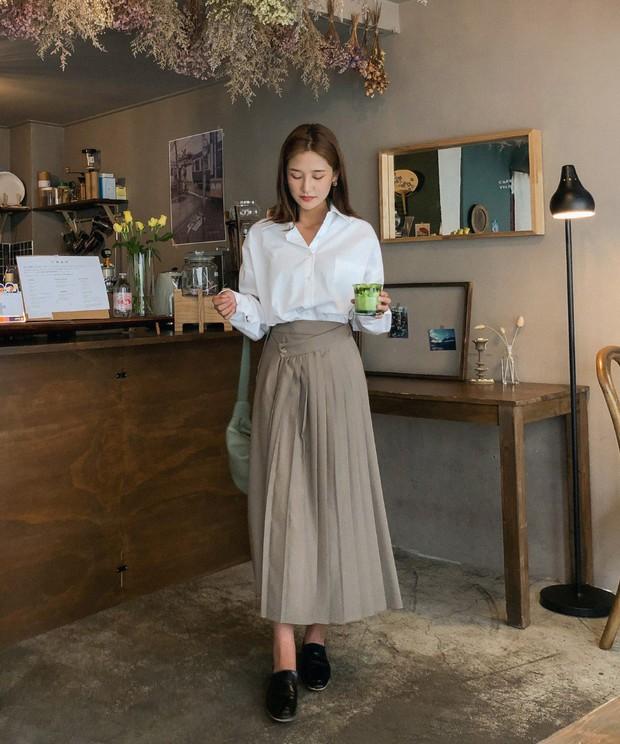 Quá xinh nên chẳng thể làm ngơ: 12 ý tưởng diện áo sơ mi/blouse + chân váy giúp nàng công sở tỏa sáng hơn cả nắng thu - Ảnh 3.
