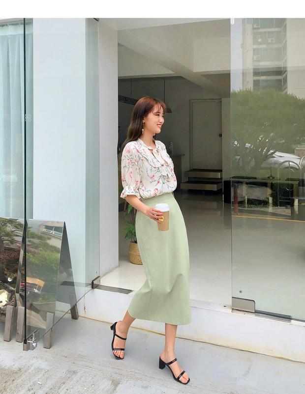 Quá xinh nên chẳng thể làm ngơ: 12 ý tưởng diện áo sơ mi/blouse + chân váy giúp nàng công sở tỏa sáng hơn cả nắng thu - Ảnh 4.