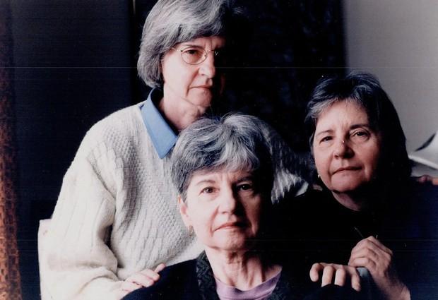Đời bi kịch của 5 chị em sinh 5 đầu tiên trên thế giới: Bị cha mẹ ruột lợi dụng để kiếm chác, chịu thương tổn thể chất lẫn tinh thần - Ảnh 8.