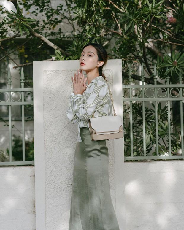 Quá xinh nên chẳng thể làm ngơ: 12 ý tưởng diện áo sơ mi/blouse + chân váy giúp nàng công sở tỏa sáng hơn cả nắng thu - Ảnh 8.