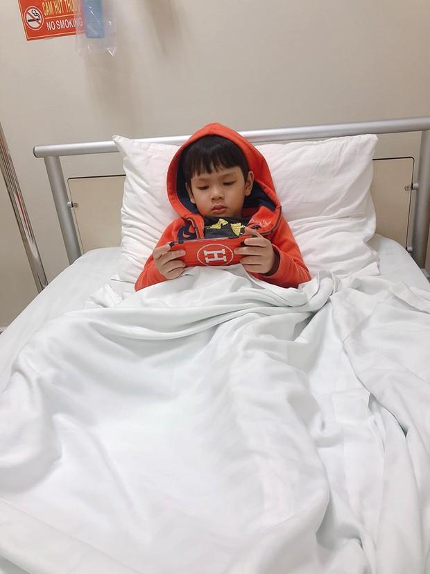 Hậu nghi vấn ngược đãi, Kin Nguyễn có phản ứng gây chú ý khi con trai Thu Thủy phải nhập viện cấp cứu giữa đêm - Ảnh 2.