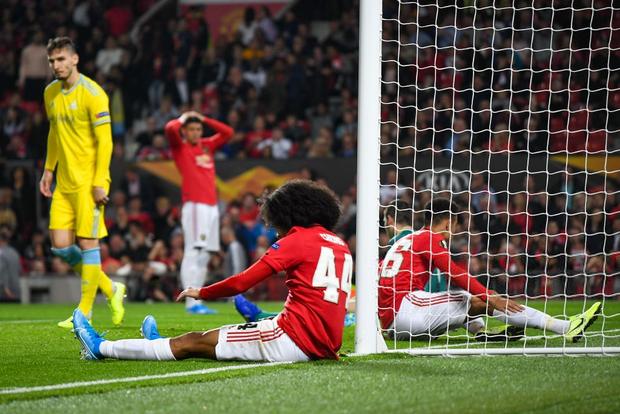 Các chân sút đột nhiên vô duyên đến lạ kỳ, MU phải nhờ tới một cú xâu kim mới đánh bại đối thủ tí hon ở trận ra quân tại Europa League - Ảnh 6.