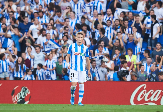 Ngã ngửa trước món quà siêu độc mà một CLB ở Tây Ban Nha dành tặng cho cầu thủ hay nhất trong tháng - Ảnh 2.