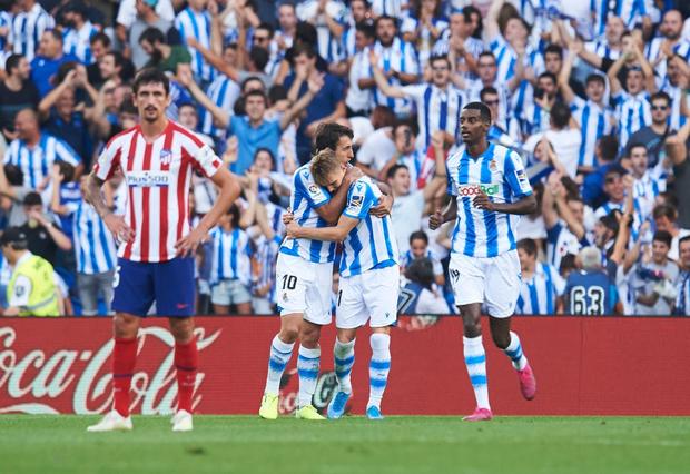 Ngã ngửa trước món quà siêu độc mà một CLB ở Tây Ban Nha dành tặng cho cầu thủ hay nhất trong tháng - Ảnh 3.