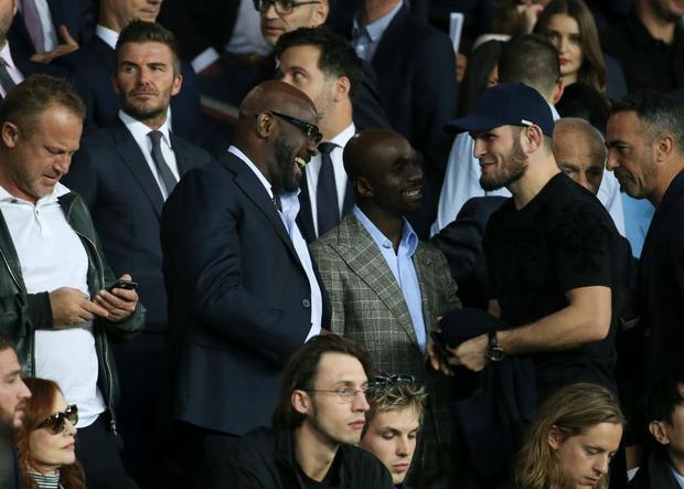 Đứng cạnh người đàn ông đáng sợ nhất thế giới, biểu cảm của Beckham lập tức bị soi và các fan đã tìm ra điều hài hước này - Ảnh 2.