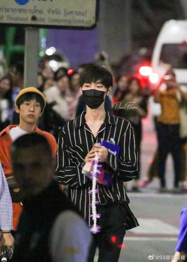 Choáng trước sức công phá của dàn sao Trần Tình Lệnh: Khiến sân bay Thái vỡ trận, idol Kpop còn phải kiêng dè - Ảnh 6.