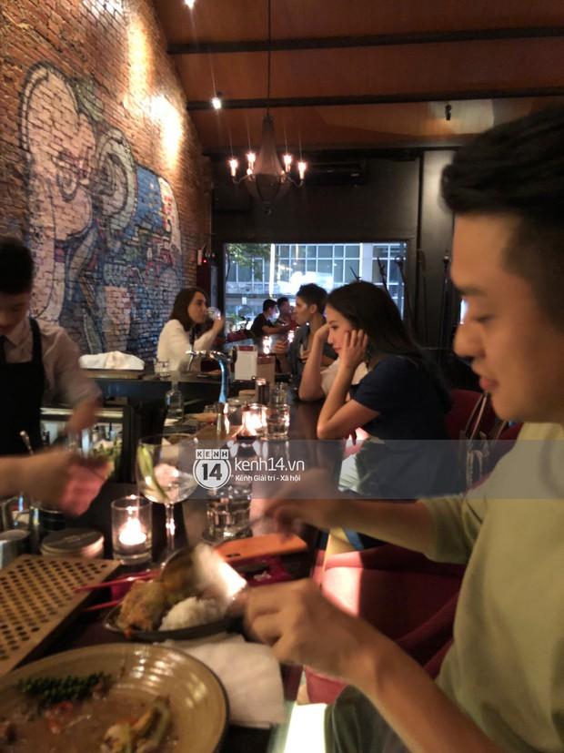 Primmy Trương bị bắt gặp hôn má người đàn ông lạ trong bar, có bạn trai mới sau 8 tháng chia tay Phan Thành? - Ảnh 6.