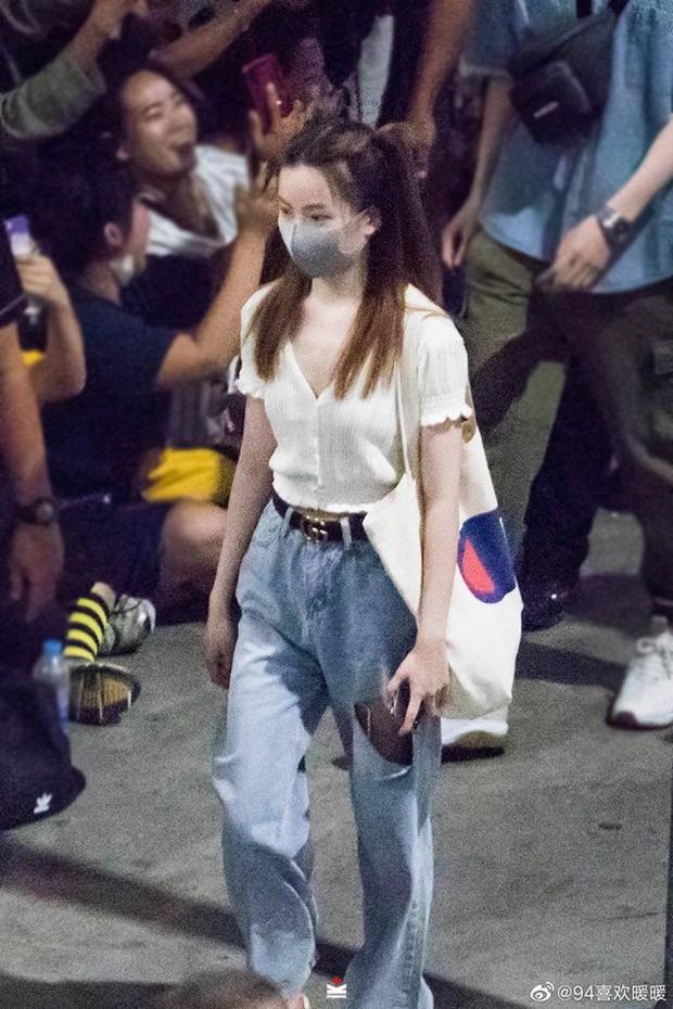 Choáng trước sức công phá của dàn sao Trần Tình Lệnh: Khiến sân bay Thái vỡ trận, idol Kpop còn phải kiêng dè - Ảnh 10.