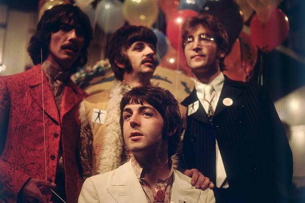 Review Yesterday: Nhấn chìm trong hồi ức ngọt ngào về The Beatles và rung rinh với màn cameo chiếm sóng của Ed Sheeran! - Ảnh 14.