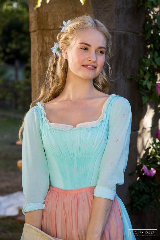 Lily James: Chuẩn Lọ Lem bước ra từ cổ tích, không cam phận làm bình hoa di động - Ảnh 7.