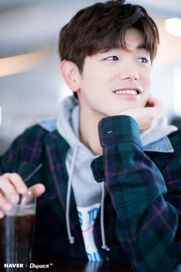 Nam ca sĩ Hàn lần đầu kể chuyện BTS bị lép vế trong Kbiz và điểm đặc biệt giúp nhóm bật hẳn so với đối thủ - Ảnh 1.