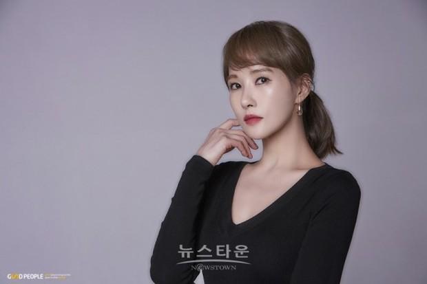 Kim Sun Ah: Nàng Kim Sam Soon ú nu nay làm bà trùm cung đấu, đánh ghen nổi gai ốc! - Ảnh 18.