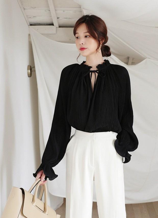 Nàng công sở vào mà xem 4 kiểu áo hô biến vẻ ngoài trở nên sang trọng, quý phái chẳng kém gì mấy cô yêu nữ hàng hiệu - Ảnh 1.