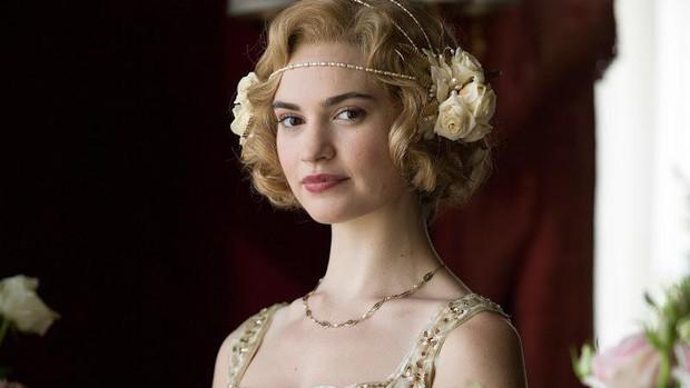 Lily James: Chuẩn Lọ Lem bước ra từ cổ tích, không cam phận làm bình hoa di động - Ảnh 5.