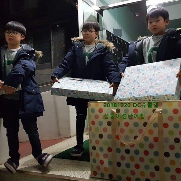 """Học hỏi """"Ông bố quốc dân"""" Song Il Gook: Tưởng chóng mặt với đàn con sinh 3 nhưng lại nhàn tênh với cách dạy con độc đáo - Ảnh 4."""