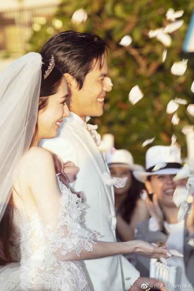 Đám cưới như trò hề của Cbiz: Liên tục phủ nhận, tình cũ Seungri và cháu trùm mafia Hong Kong hôm nay tung ảnh hôn lễ - Ảnh 8.