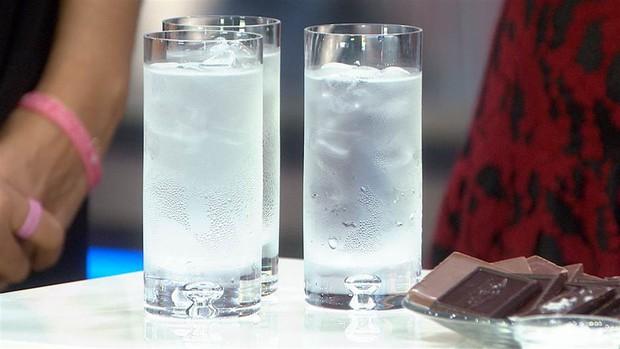 Sáng vừa ngủ dậy đừng uống những loại nước này nếu không muốn gây hại cho sức khỏe dạ dày - Ảnh 1.