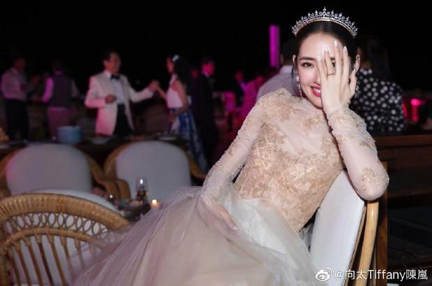 Đám cưới như trò hề của Cbiz: Liên tục phủ nhận, tình cũ Seungri và cháu trùm mafia Hong Kong hôm nay tung ảnh hôn lễ - Ảnh 16.
