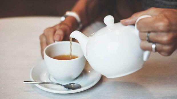 Sáng vừa ngủ dậy đừng uống những loại nước này nếu không muốn gây hại cho sức khỏe dạ dày - Ảnh 4.