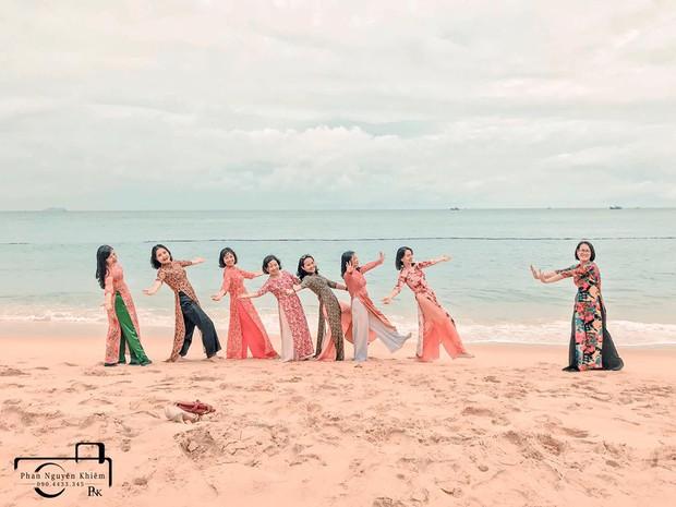 Bộ ảnh du lịch Phú Yên của hội những bà mẹ U50 chứng minh một điều rằng: Thanh xuân đã qua không có nghĩ là chúng ta già đi! - Ảnh 5.