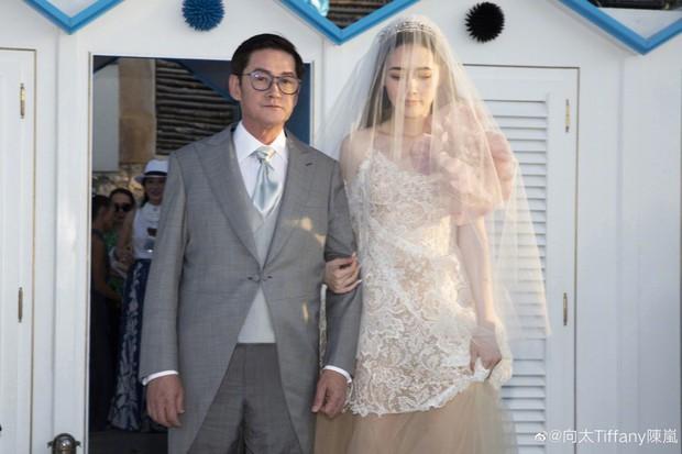 Đám cưới như trò hề của Cbiz: Liên tục phủ nhận, tình cũ Seungri và cháu trùm mafia Hong Kong hôm nay tung ảnh hôn lễ - Ảnh 7.