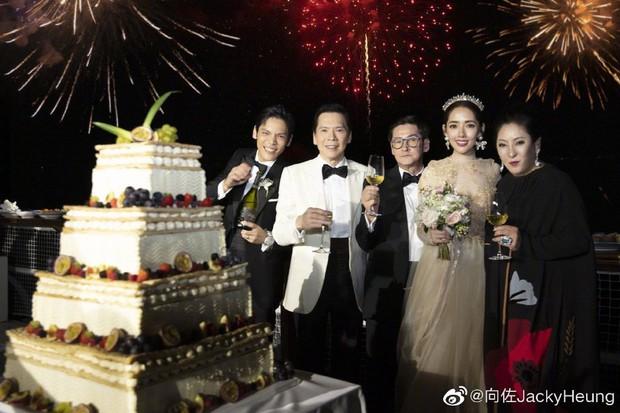 Đám cưới như trò hề của Cbiz: Liên tục phủ nhận, tình cũ Seungri và cháu trùm mafia Hong Kong hôm nay tung ảnh hôn lễ - Ảnh 14.