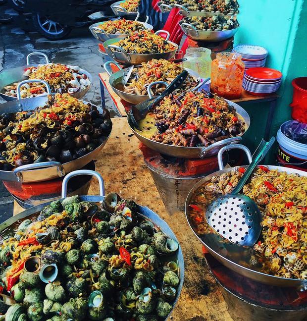 """Phá đảo con phố ốc chảo hot """"rần rần"""" ở kinh đô ẩm thực Sài Gòn, bạn đã đến thử chưa? - Ảnh 7."""