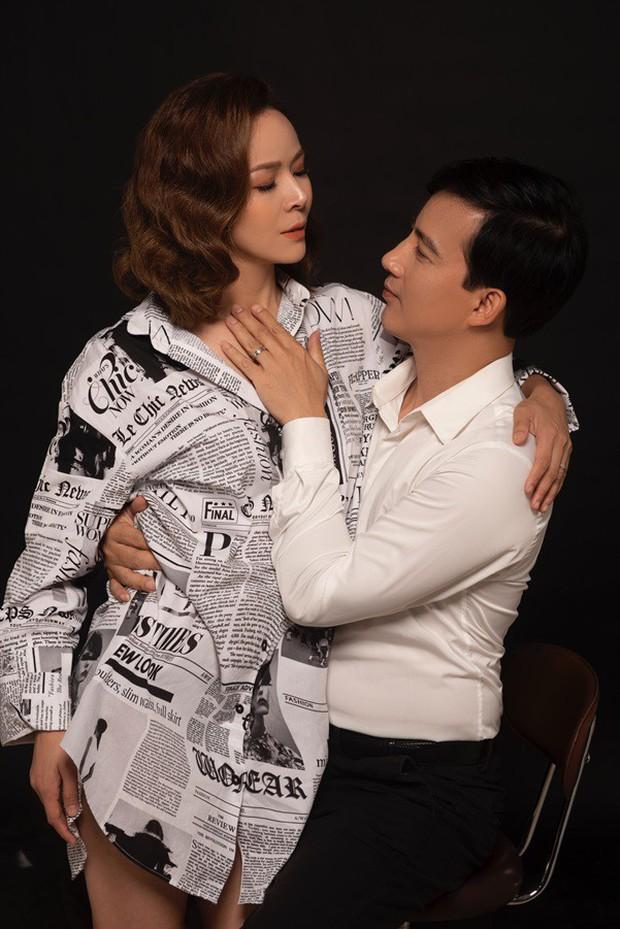 Hồng Quang Hoa hồng trên ngực trái đầy âu yếm, bà xã Diễm Hương khoe vai trần sexy trong bộ ảnh kỷ niệm 5 năm cưới - Ảnh 4.