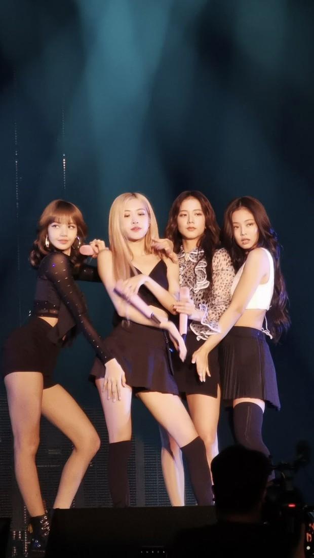 Bất ngờ tột độ với Private Stage của BLACKPINK: Jennie vừa đàn vừa hát, Jisoo hoá Harry Potter, Lisa & Rosé lập sub-unit khoe giọng siêu đáng yêu - Ảnh 6.