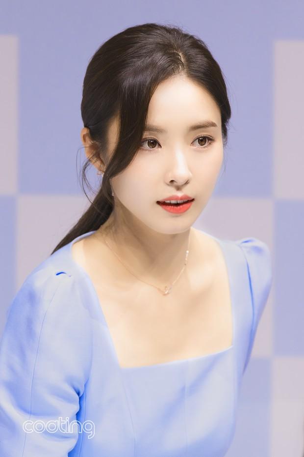 Mỹ nhân mặt đơ Shin Se Kyung bỗng khiến netizen Việt-Hàn phát sốt vì nhan sắc: Không làm idol quá phí! - Ảnh 6.