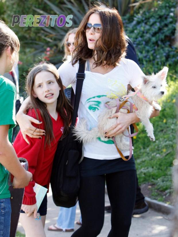 Công chúa nhà sao Hollywood nay đã lớn cả rồi: Kaia Gerber xinh ngút ngàn cũng chưa bằng ái nữ tài tử Fast & Furious - Ảnh 12.
