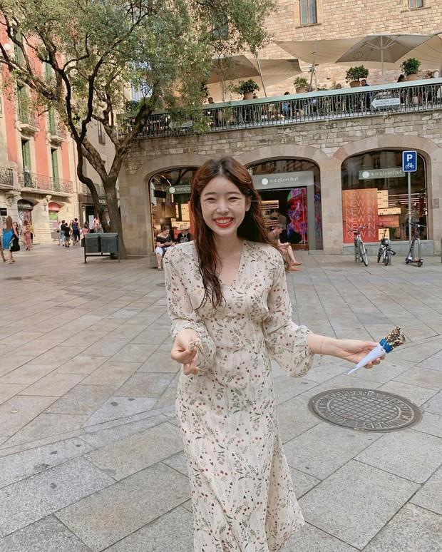 Những nàng sành điệu từ Á sang Âu đều đang diện một mẫu váy rất nhã và tôn dáng, bạn còn chờ gì mà không học tập? - Ảnh 16.