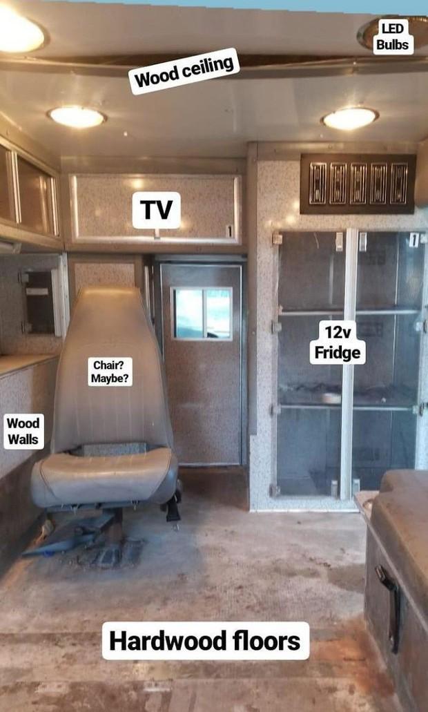Nhìn căn nhà ấm cúng này ai mà dám tin rằng trước đây nó từng là chiếc xe cứu thương đầy vết máu - Ảnh 4.