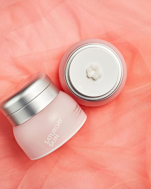 7 lọ kem dưỡng ẩm được các BTV khen hết lời, hoàn hảo cho làn da khô tróc xám xịt của bạn trong mùa thu - Ảnh 5.
