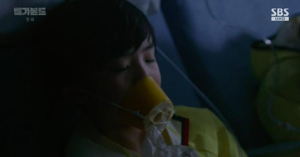 Bom tấn Vagabond mở màn tập 1 xuất sắc: Sốc nặng cảnh rơi máy bay toàn trẻ em, Hậu Duệ Mặt Trời khó mà bì kịp! - Ảnh 14.