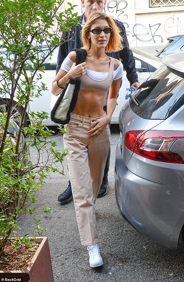 Bella Hadid gây sốc với mặt mộc bơ phờ và body gầy lộ cả xương sườn, đáng chú ý là phản ứng của netizen - Ảnh 2.