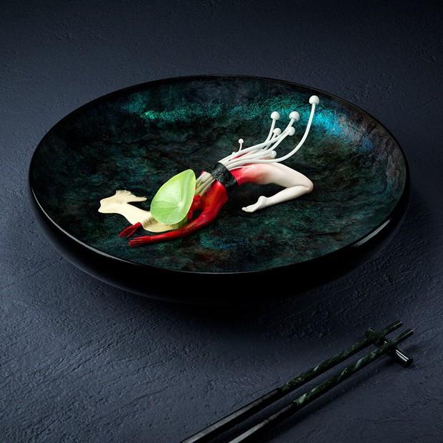 """Đang định ăn sushi thì thấy miếng thịt… uốn éo như tập yoga, nhìn """"chết khiếp"""" nhưng lại là một nghệ thuật ở Nhật - Ảnh 2."""